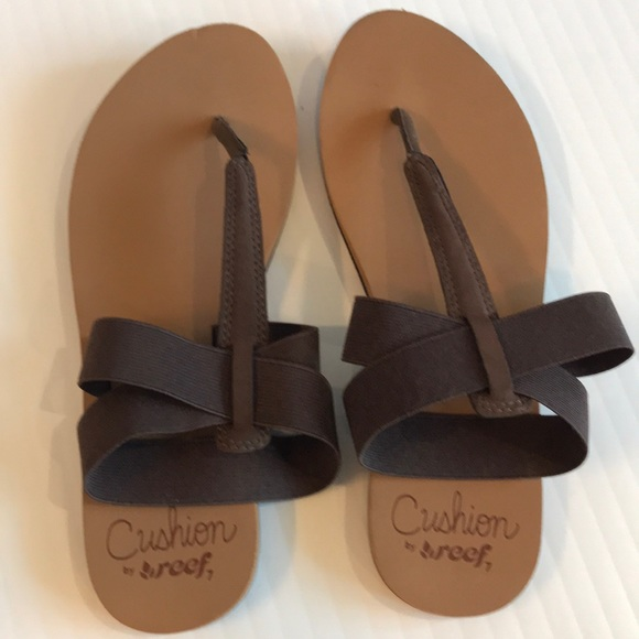 6dad2c4956a82 Reef Shoes - NWOT reef flip flops